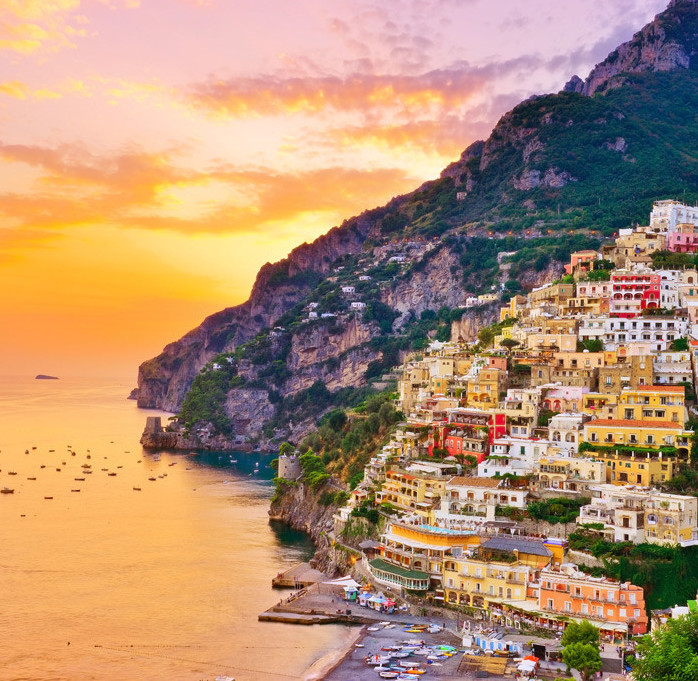 luxurily.travel_positano-by-night